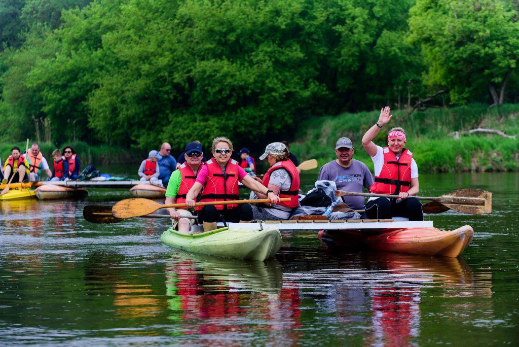 Bezpieczne spływy tratwą po rzece Warcie i piękno natury - warta-welna-travel.pl